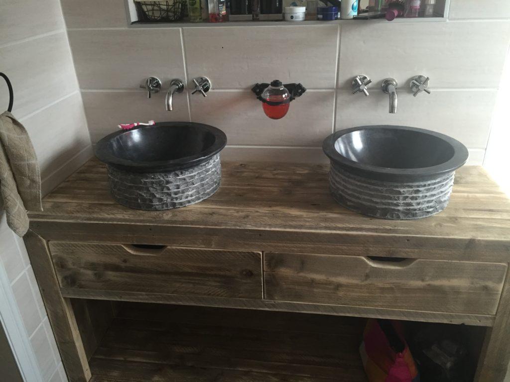 Badkamermeubel Van Steigerhout : Badkamermeubel oud steigerhout mozaïek met stalen buisframe