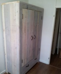 Bank van steigerhout maken.