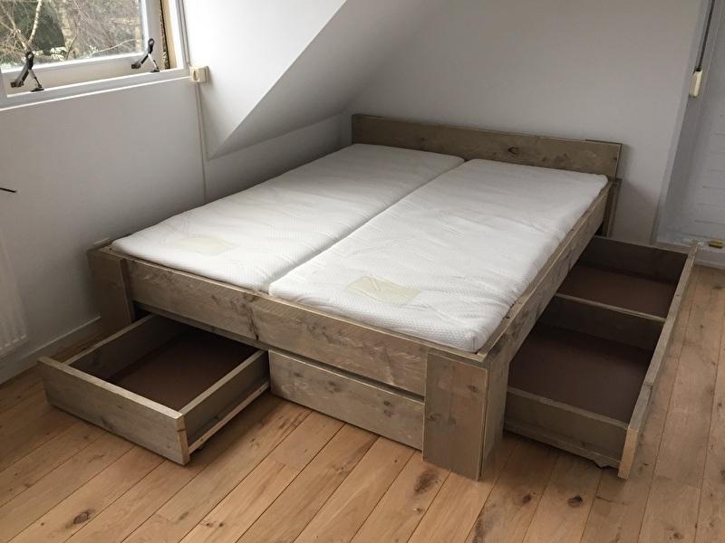 Steigerhout bed..