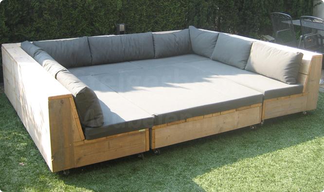 Dit is een afbeelding van steigerhout loungeset.